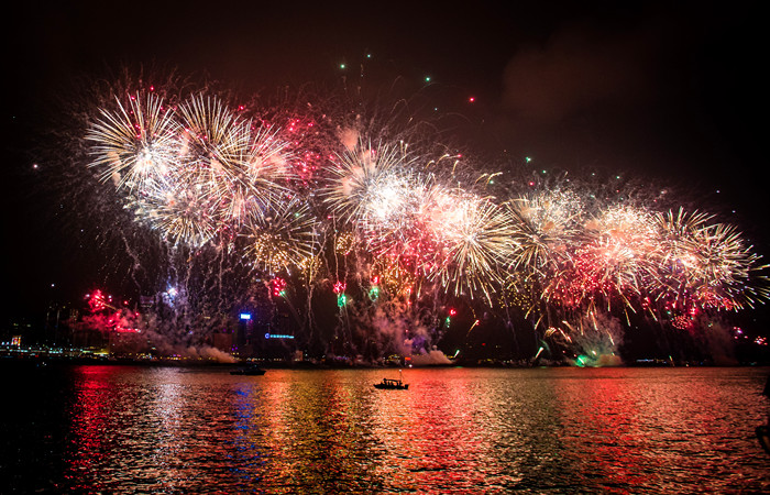 Hong-Kong-New-Year-Fireworks.jpg